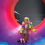 Sliding into your DMs like.... @MileyCyrus #VMAs http://t.co/fN6kxF2UPD http://t.co/e1xdacdhke