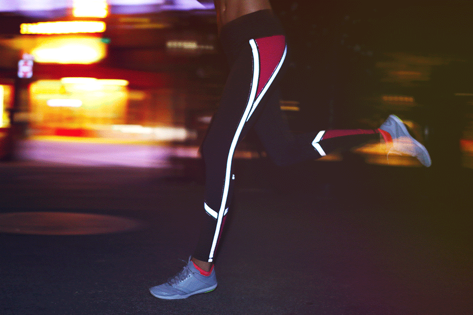 RT @VSSportOfficial: Ready. Set. GLOW. Train all night with our new reflective gear. #GlowGetIt http://t.co/og1rR2Oa2c http://t.co/VFN5Zlj2…