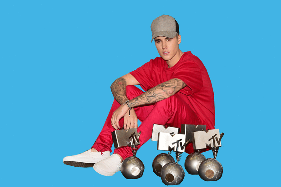 So, @justinbieber wins like EVERY award at the #MTVEMA! https://t.co/FK13AwR9Pz https://t.co/nhd2faXig8
