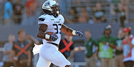 With that last run Ray Lawry becomes ODU's first 1,000 yard rusher! https://t.co/tnx2DHF6p4