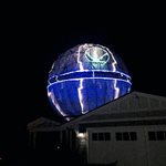 This is a 2-story-high Death Star on a house in Lafayette, CA. Read more from @msenese: https://t.co/8AhAUXQVS9 https://t.co/OOgz7sHld7
