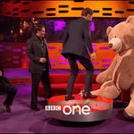"""There's something about it that makes me want to do…this…"" #BenedictCumberbatch lets loose on a giant Teddy Bear https://t.co/IitQ89CJ36"