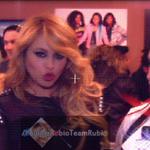 """@Whenloveaway: Es #Viernes y ella lo Sabe!! ♥  @paurubio ☺ https://t.co/fTrZf83Zkh""#sitevas"