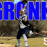 Touchdown Patriots! Tom Brady connects with Gronk for a 23-yard TD and New England has the early 7-0 lead. https://t.co/uWQcYsk2S0