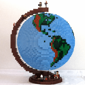WHOA a globe made of 3857 Lego bricks, 40 layers, 6 kg https://t.co/Wo2mXSFmO0 https://t.co/t1GXKk0iwU