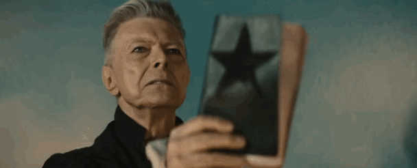 """Ageing doesn't faze me, it's death that's a drag"" - David Bowie  Ziggy reflects on ageing: https://t.co/1sLJtThc35 https://t.co/55Bw1EcaGn"
