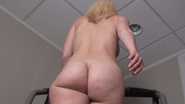 #pawg #blonde #phatcakes #thickgirls #curvygirls #curvy #thickness #phatass #phatbooty #bubblebutt #shortgirlsrock