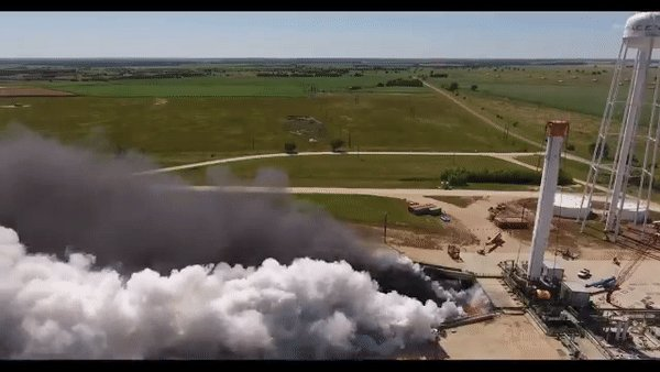 A step closer to Mars: SpaceX test fires 'world's most powerful rocket' (VIDEO)