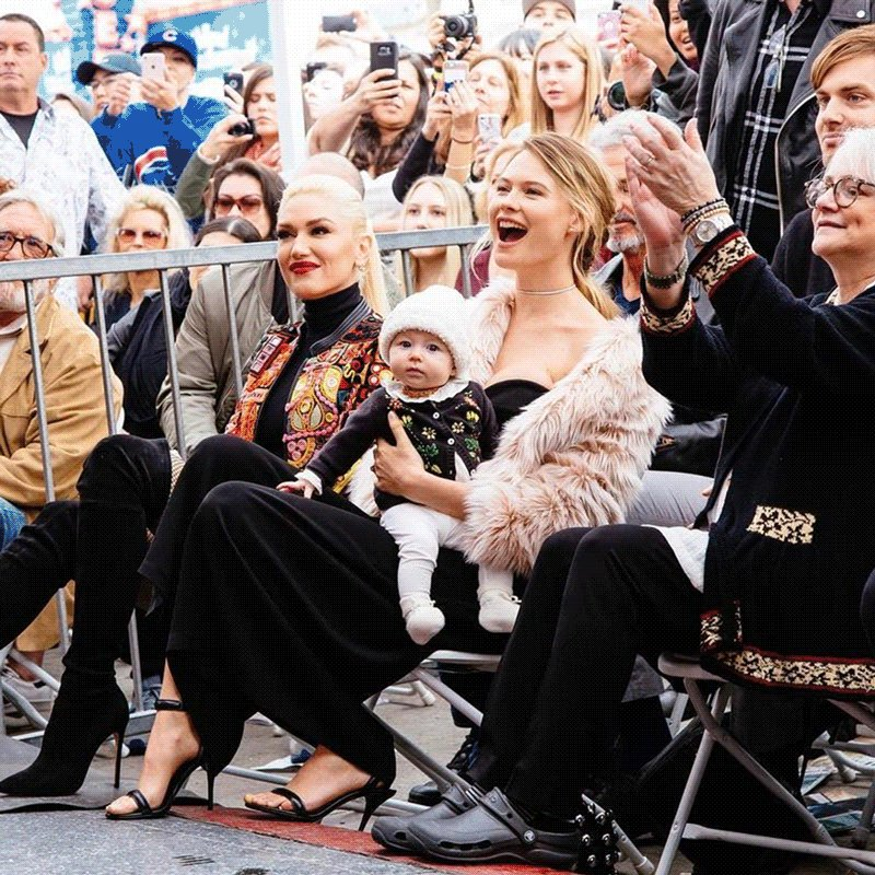 Shout-out to the sexiest supermodel moms (and daughters) we know! #HappyMothersDay https://t.co/H0hrViMHRG