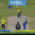 SIX! Length ball and Sammy goes big over long-on. https://t.co/DEtf2gTJSw #PSLT20 https://t.co/HfTJDiU949