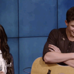 ???? rt your otp gif edition ???? Shawn Mendes - Camila Cabello https://t.co/IPRlW8jj1u