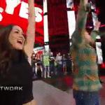 Brie @BellaTwins and @WWEDanielBryan enjoy one final #YESChant as the @WWE Superstars salute. #ThankYouDanielBryan https://t.co/qvw2ZLDNNw