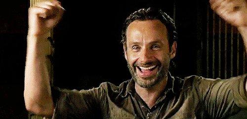 Cuando te das cuenta que esta noche mojas. Rick, el #DonJuan de #TheWalkingDead https://t.co/42IyGkc3rK