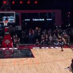 Zach LaVine wakes up the crowd with a perfect 50 dunk https://t.co/4Xyd3kCGuC #NBAAllStarTO https://t.co/wTrP4Xp8nq