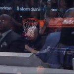T-Mac is feeling that LaVine dunk! #VerizonDunk https://t.co/Han86Hia4C