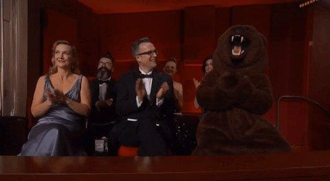 Y el Oscar a mejor actor de reparto es... EL OSO DE THE REVENANT #Oscars https://t.co/W7ifitrOtx