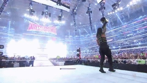 Let the celebration begin for NEWWWW @WWE World Heavyweight Champion @WWERomanReigns! #WrestleMania https://t.co/0QTnytoZbg