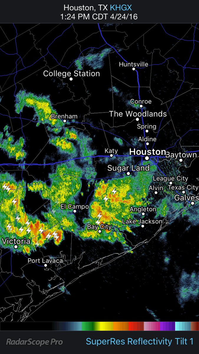 Sunday 2:09 PM-- Here's comes another round of heavy rain. #KHOU11 https://t.co/bEscdsvZsJ