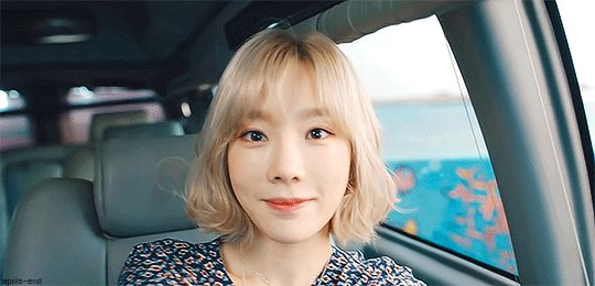 In love with #taeyeon & her adorable style - go read about her on @voguemagazine https://t.co/NbnyXNUds8 https://t.co/eKGnK0D9Z3