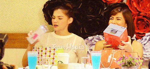 we have two weirdos as moms guys how great #RaStrowback https://t.co/szrEl5TJf7