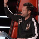 When Beyoncé tells you to put your hands up. #TheVoice https://t.co/g7S1YyvzA3