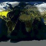 Todos los vuelos del mundo durante un dia. Interesante: todos los vuelos de África a Europa salen al mismo tiempo. https://t.co/Cu4QJCnOiD