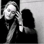 Está passando na sua TL a Meryl Streep esnobando o Woody Allen. Repasse para ter um domingo mais bonito https://t.co/Kv4FOwwAS6