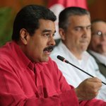 NicolasMaduro: RT candangaNoticia: #ConAmorSeguimosLaMarcha Sede #Pdvsa, el presidente NicolasMaduro en evento de … https://t.co/kRluNull7i