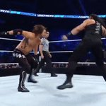 THE RIGHT HAND you could hear a mile away!!!! #SmackDown @WWERomanReigns https://t.co/ucriKxSzFC