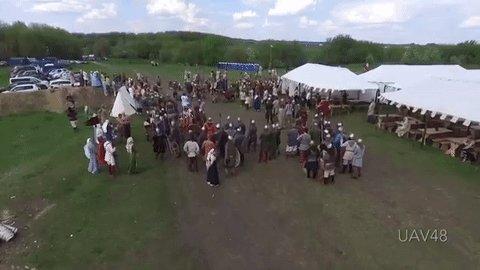 Долгожданная победа над технологиями: на фестивале Русборг, посвящённом Средневековью, беспилотник сбили копьем. https://t.co/BcBLBMSCg5