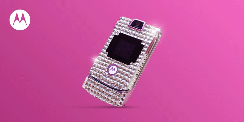 Bejeweled, bedazzled, or blinged-out, one thing was for sure—#RAZR made you a boss. Tell us why you loved it! #TBT https://t.co/otXrISopcr