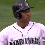 Robinson Canó, everyone. CRUSHED to right-center, a two-run shot. Its now 5-4. #GoMariners https://t.co/UtXQ8lfVf6