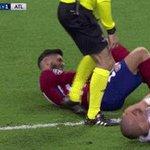 Mais même larbitre il en peut plus de Pepe. #uclfinal https://t.co/WrlZJ7MNqO