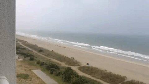 Viewer captures slow-motion video of lightning striking off-shore in Myrtle Beach >>https://t.co/OP91LlmWge<< https://t.co/dPQE8BfjcE