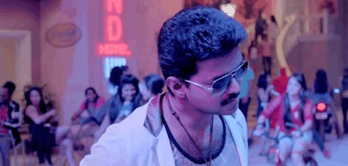 Let's wish the simply talented Ilayathalapathy @actorvijay with a smile