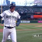 Adam Lind!!! Three-run shot to right and the #Mariners walk off the Cards! FINAL: 4-3 https://t.co/FD450hQmDB