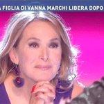 Filippo Bisciglia come Barbara DUrso mentre ascolta i futuri cornuti.  #TemptationIsland https://t.co/IGg9VADfrU