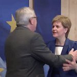 "From ""snubbed"" to hugged: @NicolaSturgeon meets European Commission President Juncker. https://t.co/bzWtgHCpnB"