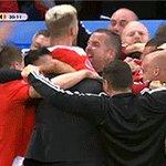 La sobria esultanza dei gallesi dopo il gol #GallesBelgio https://t.co/4Kzv7BiYC7