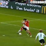 La gif del fantastico gol di Robson-Kanu #GallesBelgio https://t.co/1XUvkpFDuU