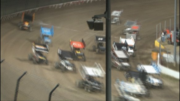 Wild Child Alert: Jac Haudenschild demonstrates how to pass 10 cars by turn two of lap one. #KingsRoyal https://t.co/Jtywc1PYby