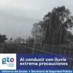 ☔SSPE | #ProtecciónCivilGto te recomienda: AL CONDUCIR CON LLUVÍA, EXTREMA PRECAUCIONES Y #BÁJALE. #ActuarEsPrevenir https://t.co/eHMhgr9vko