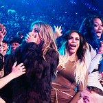 O aniversário de 4 anos de Fifth Harmony, é amanhã! Estão preparados? #MTVHottest Fifth Harmony https://t.co/qxMqkGoDCS