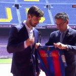 """André Gomes, a la platea del Camp Nou: """"Espero gaudir i guanyar molts títols"""" #AndreGomesFCB https://t.co/zFXysgPaOz"""