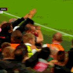 Gif: Absolutely mental celebrations at the United end when Rashford scored the injury time winner. https://t.co/8nu9t4Lh1x
