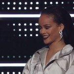 """I cant believe Im receiving a Michael Jackson Video Vanguard Award at age 28."" -@Rihanna #RiRiVANGUARD #VMAs https://t.co/qFIJBP1mao"