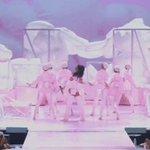 LACROU VIADO, calma que tem mais 3 performances da rainha https://t.co/ULgPHt8WgC
