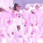 💕 @Rihanna OPENS THE #VMAS 💕 https://t.co/MIa2Zk4RHq