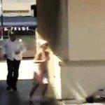 Britney tratando de escapar de los #VMAs después de la performance de Beyoncé. https://t.co/KAoMMQ4deI