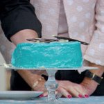 Mary Berry needs no words to express her stance on blue icing. #GBBO https://t.co/5dfBIY8ana